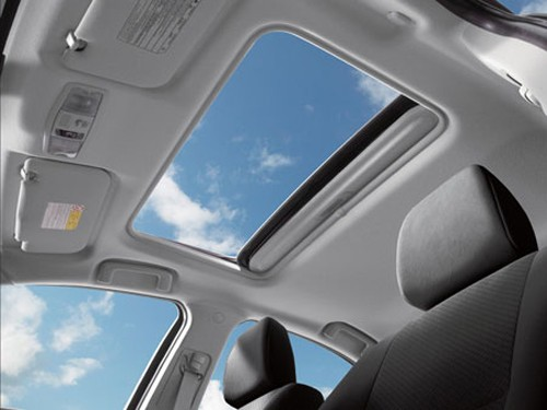 汽车天窗如何正确保养